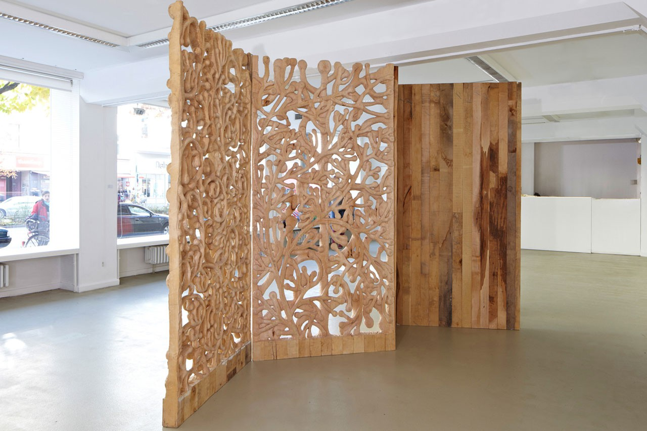 Space in Between: From You to Me | Limewood | 240 cm x 440cm x 10 cm | 2010 | Photo: J. Hoefer