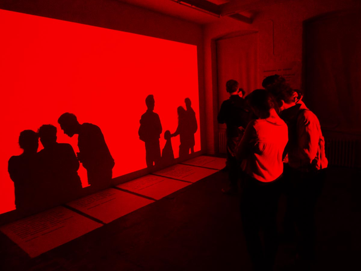 """""""SECONDS MACHINE ( COLOR MODE I )"""" KW institut of contemporary art, berlin, 26.02.2015, 19:00- 23:00 4 hours / generating 14 400 colors"""