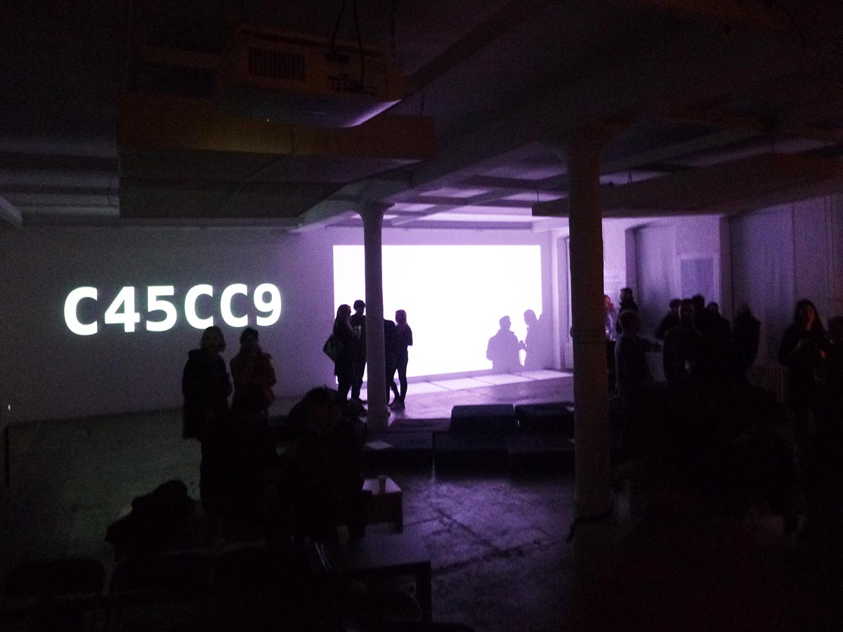 """""""SECONDS MACHINE ( COLOR MODE I )"""" KW institut of contemporary art, berlin. 26.02.2015, 19:00- 23:00 4 hours / generating 14 400 colors"""