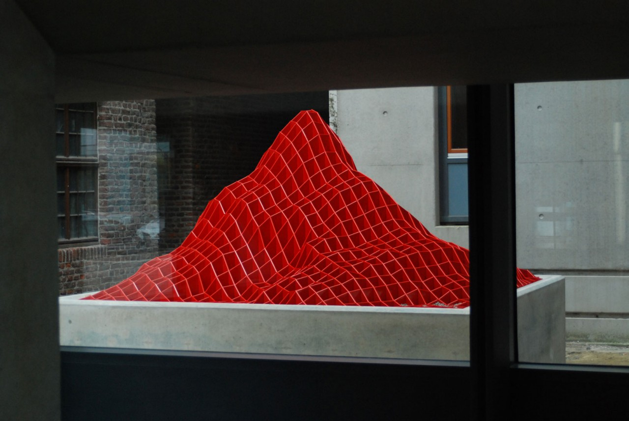RED MOUNTAIN, Cityhall Goch, public art