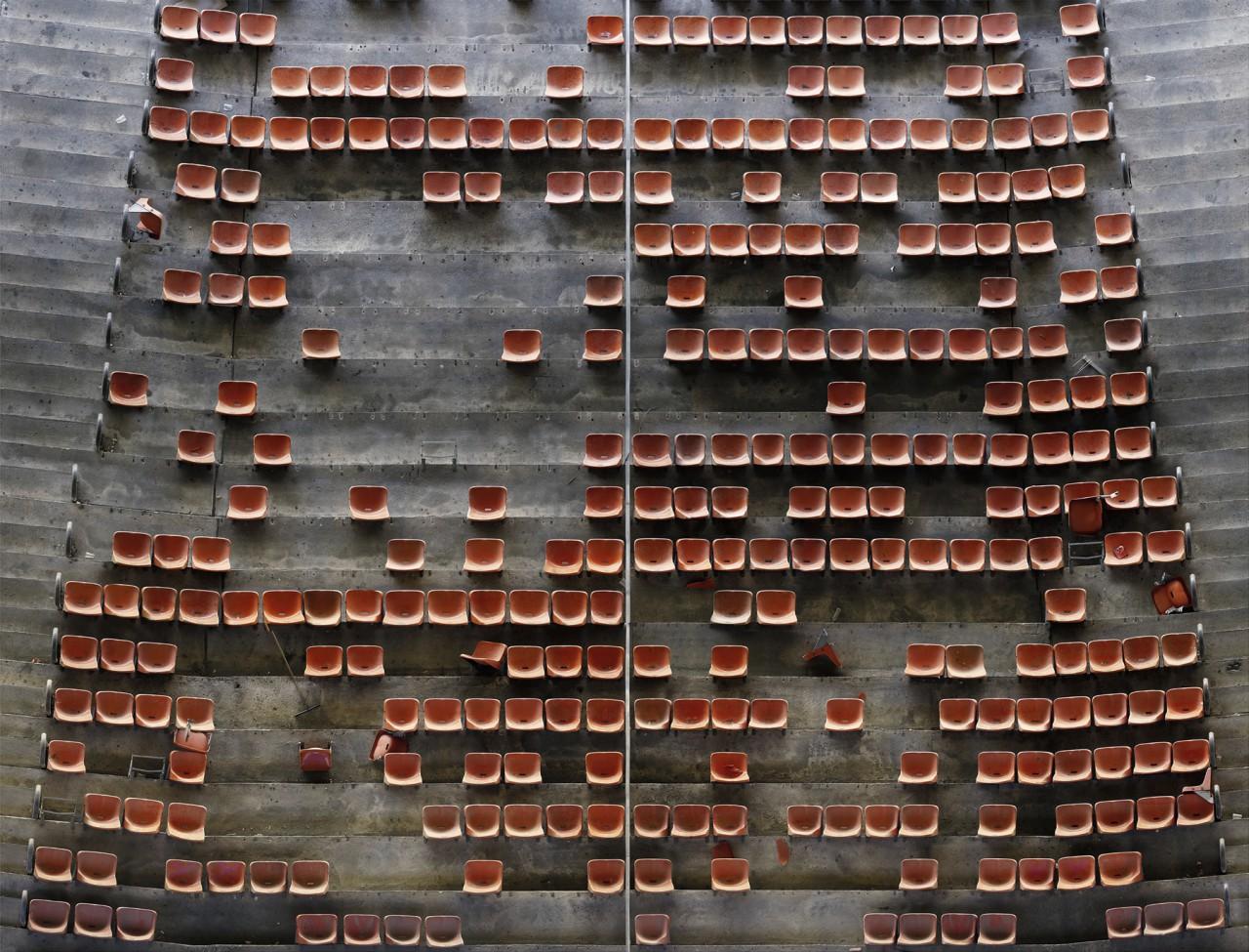 Supervisions - Ohne Titel Stadion) | Düsseldorf 2002 | Lightjet print | 170 x 222 cm
