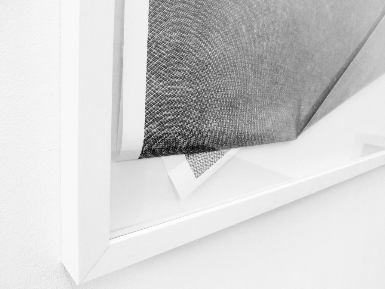 Detail: Untitled (Surfer I), 2013, Inkjet Print (gefaltet), 100 x 100 cm