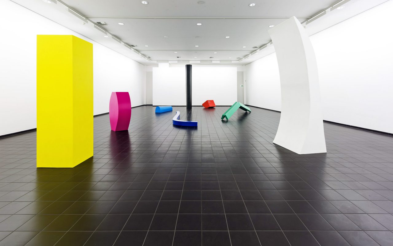 Technicolor: a) Feld, b) Fläche, 2014/ 2015, exhibition view @ Marburger Kunstverein