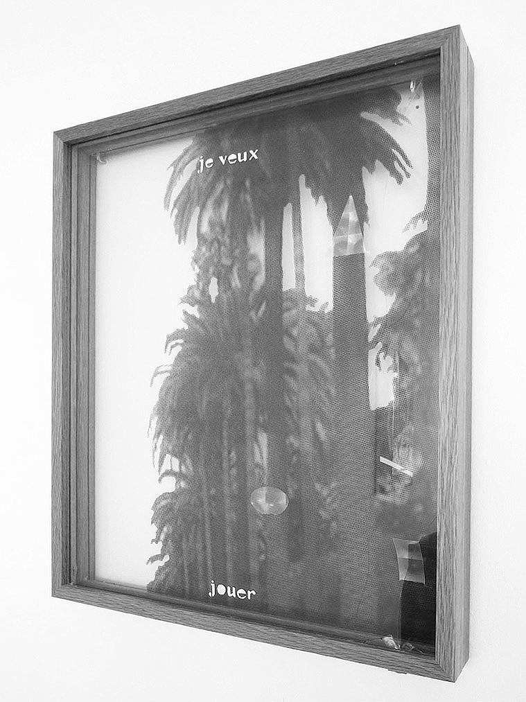 o.T. (je veux jouer), 2009, Druck auf Glasscheibe, 42 x 54 cm