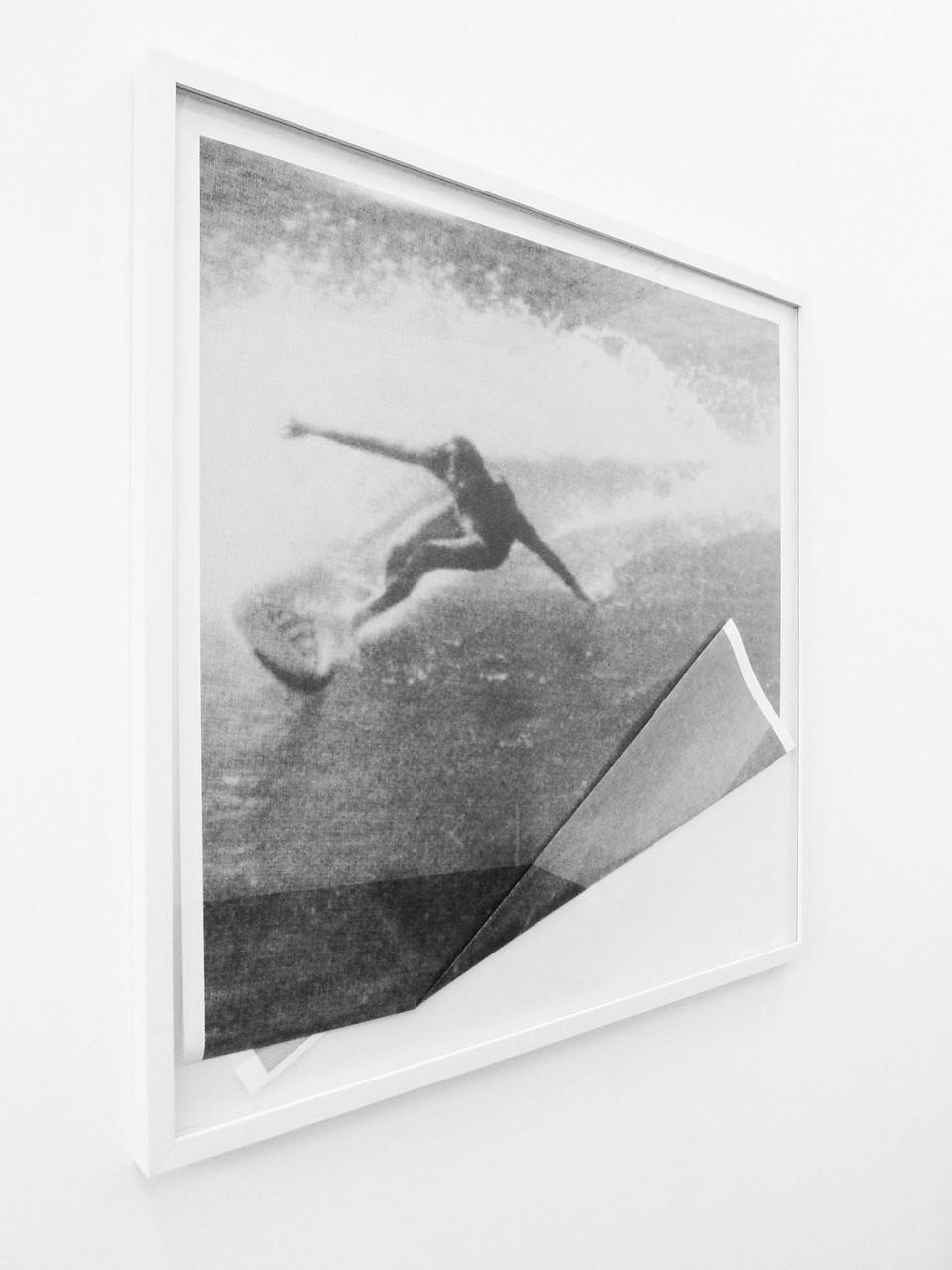 Untitled (Surfer I), 2013, Inkjet Print (gefaltet), 100 x 100 cm