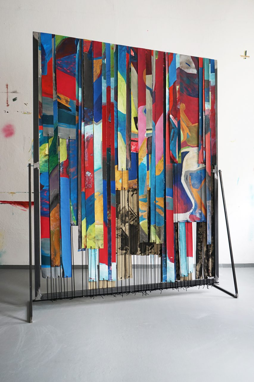 Ivonne Dippmann WV 2016 – 034   Out of sight, please continue reading!, acrylic, ink, gouache, spray paint on canvas, steel frame, cable ties black, black rope, rotating, 200×160×35 cm, Berlin 2016