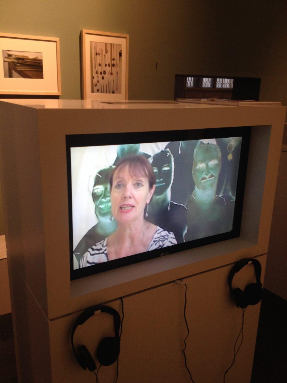 Installation Kunsthalle Mannheim, Video Zwischen Existenz und Exzellenz, Detail Annegret Soltau (Foto: Andrea Esswein)