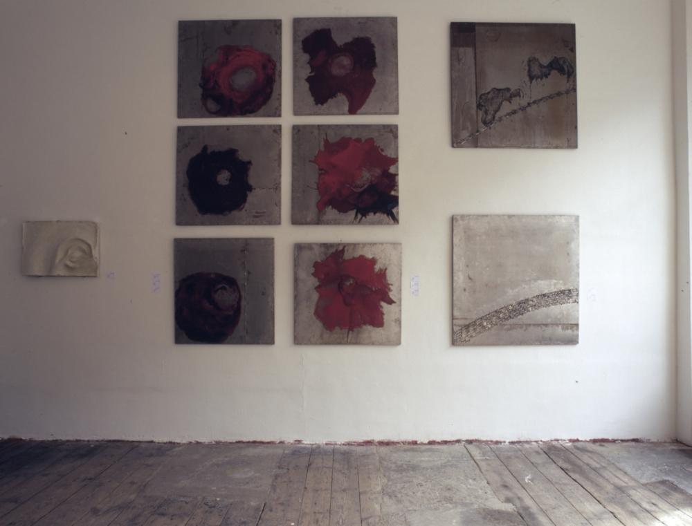 ausstellung projektraum wuk wien, rosenserie, malerei, plastik, 2000
