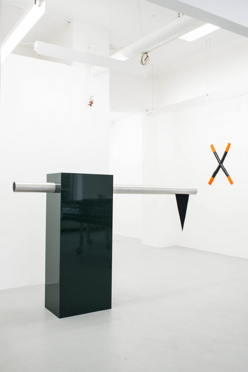 Flag sculpture I 155 x 240 x 42 cm