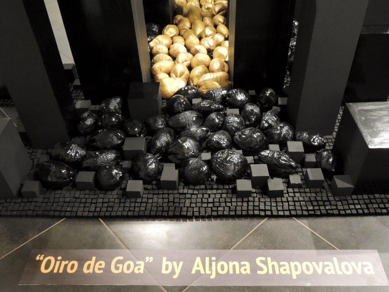 """""""Oiro de Goa"""" - installation in """"The Cube Gallery"""""""