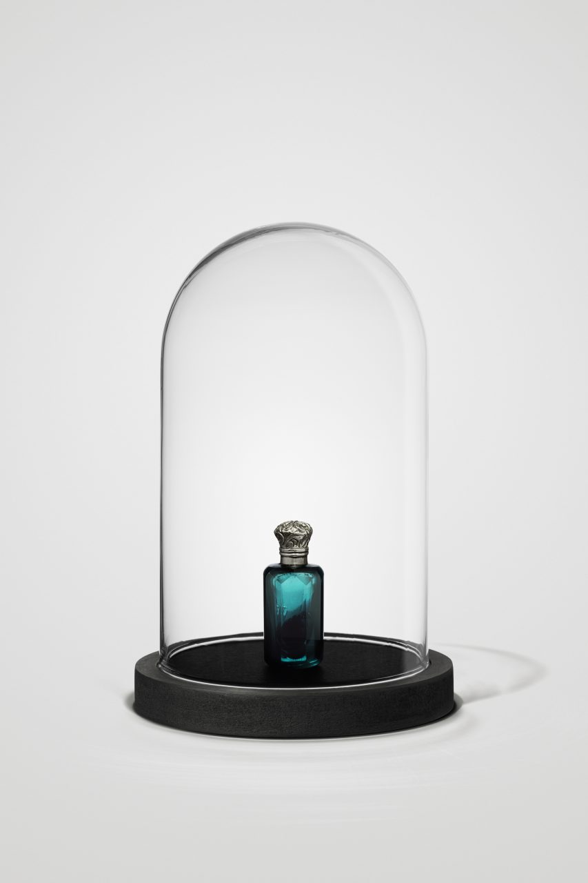 """""""Waldglöckchen (Digitalis purpurea)"""", 2018, glass flacon with silver plated lid (1840 - 1900), glass, wood, velvet, substance, private collection"""