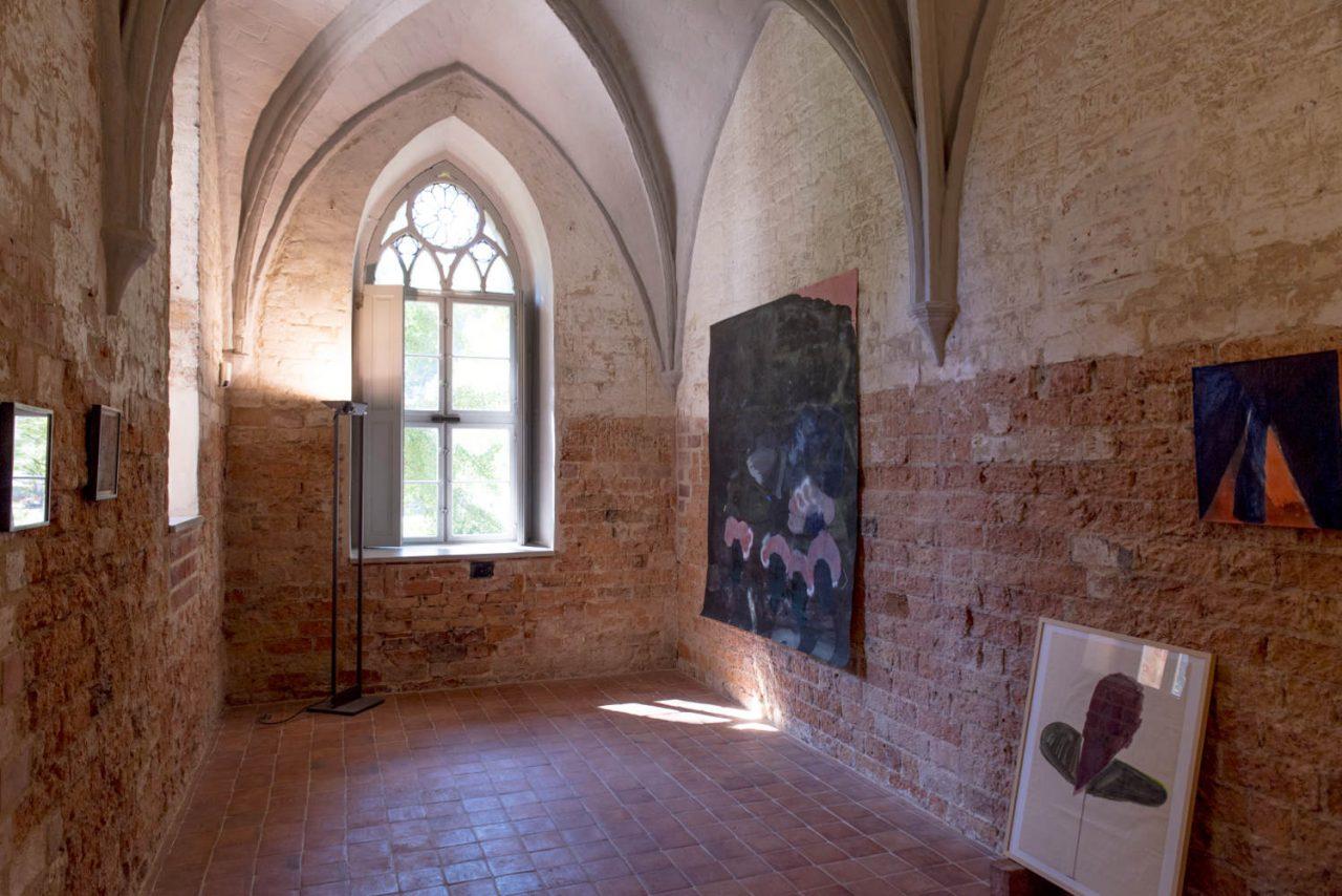 Installation view: Lücke im Wald , Kloster Chorin