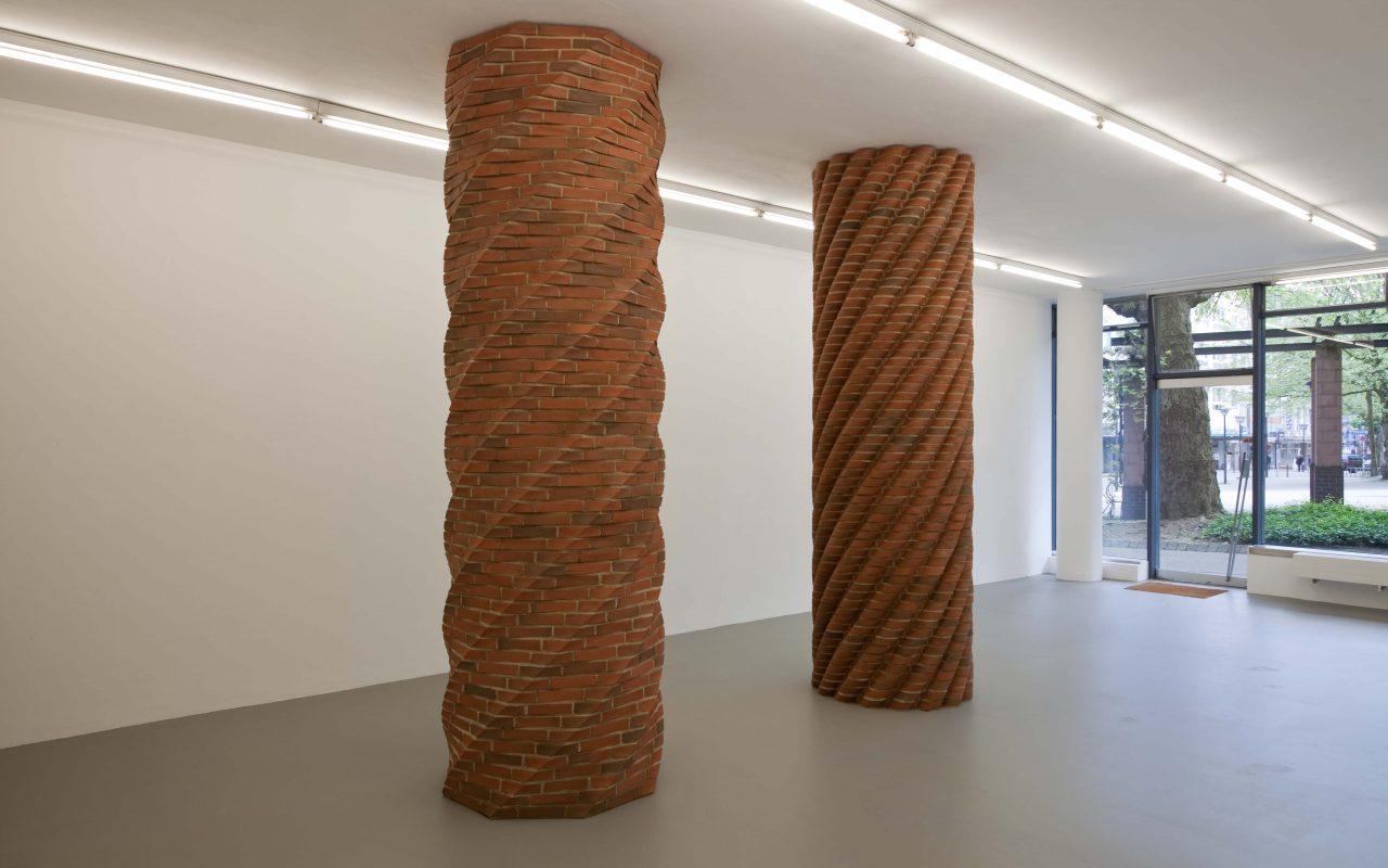 Modifikation–constantly climbing stones, 2009. (Exhibition view. Kunstverein Ruhr, Essen)