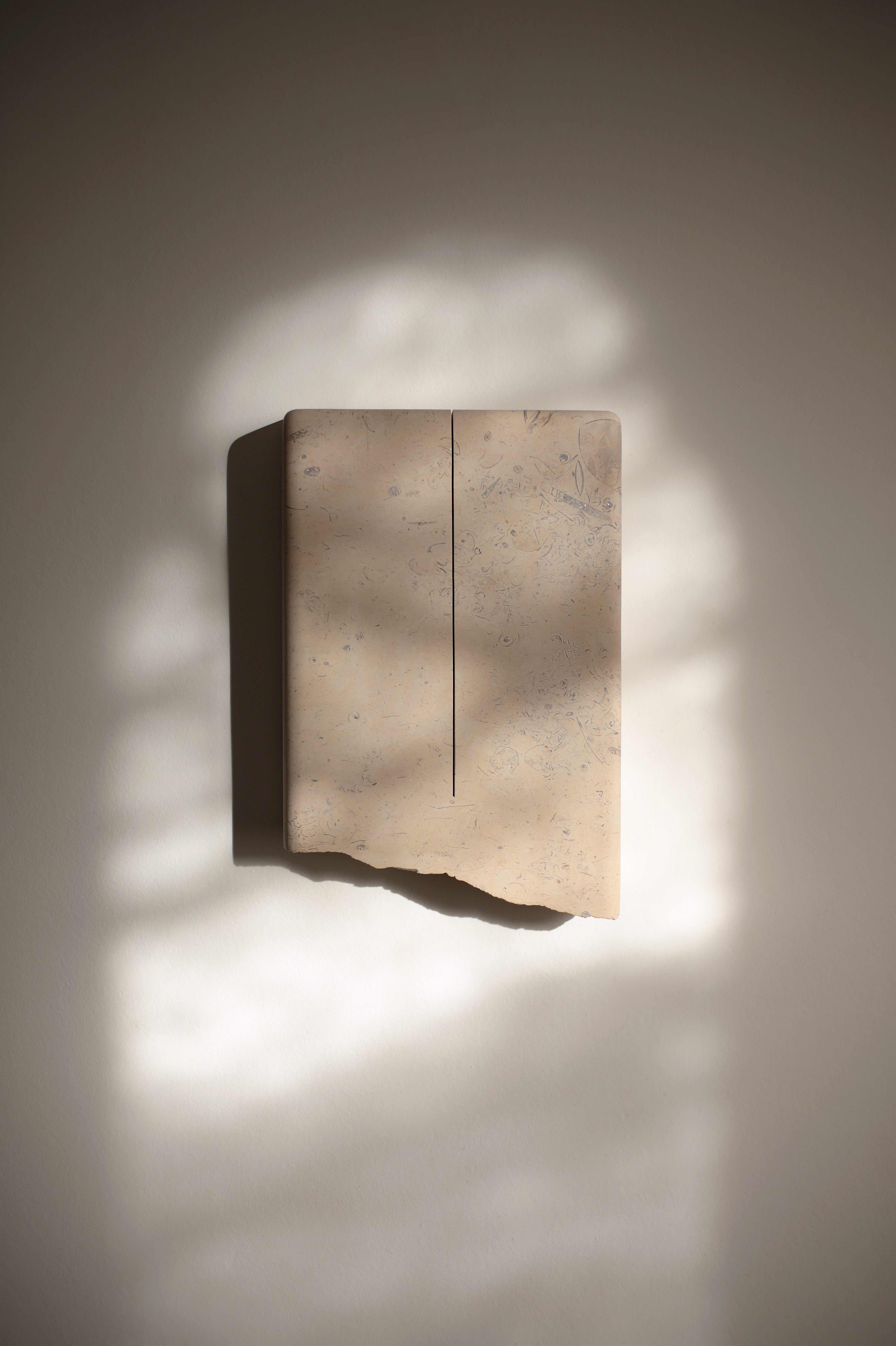 A PURE UNTROUBLED LINE III (after Iris Murdoch) 2019, Lincolnshire limestone – silver bed, 33.5 x 22.4 x 5.0 cm
