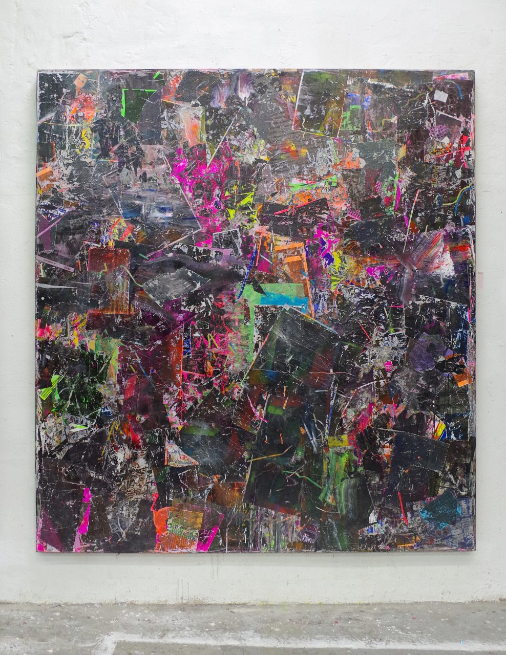 2019, Acryl, Spraypaint, Papier, Leinwand, Keilrahmen 220 x200cm