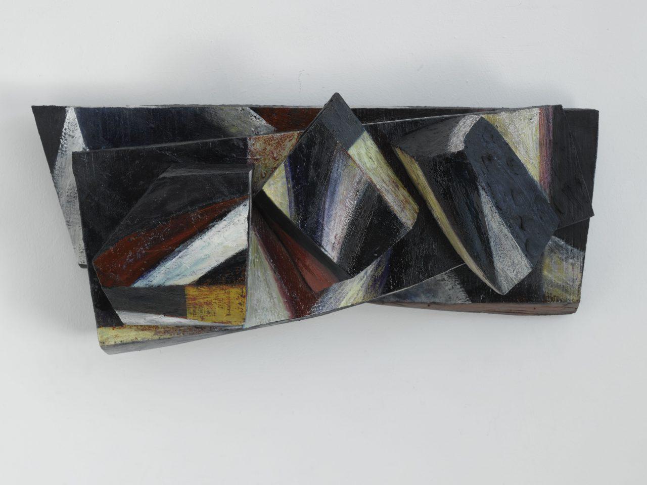 DIS, 2006 - 2008, Harzöl-Tempera auf Holz, 23 x 52 x 16 cm