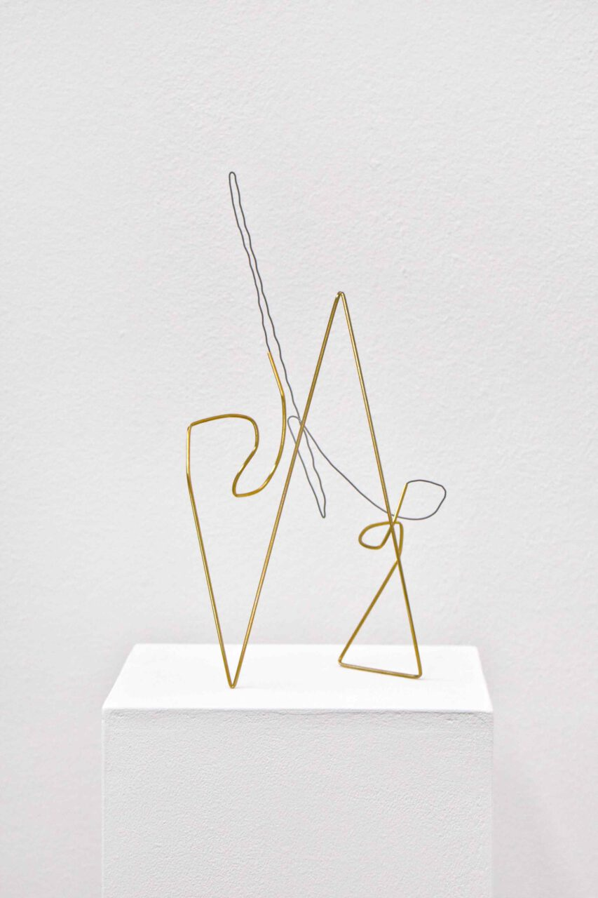 Spacedrawings_001, 2020, brass, iron wire