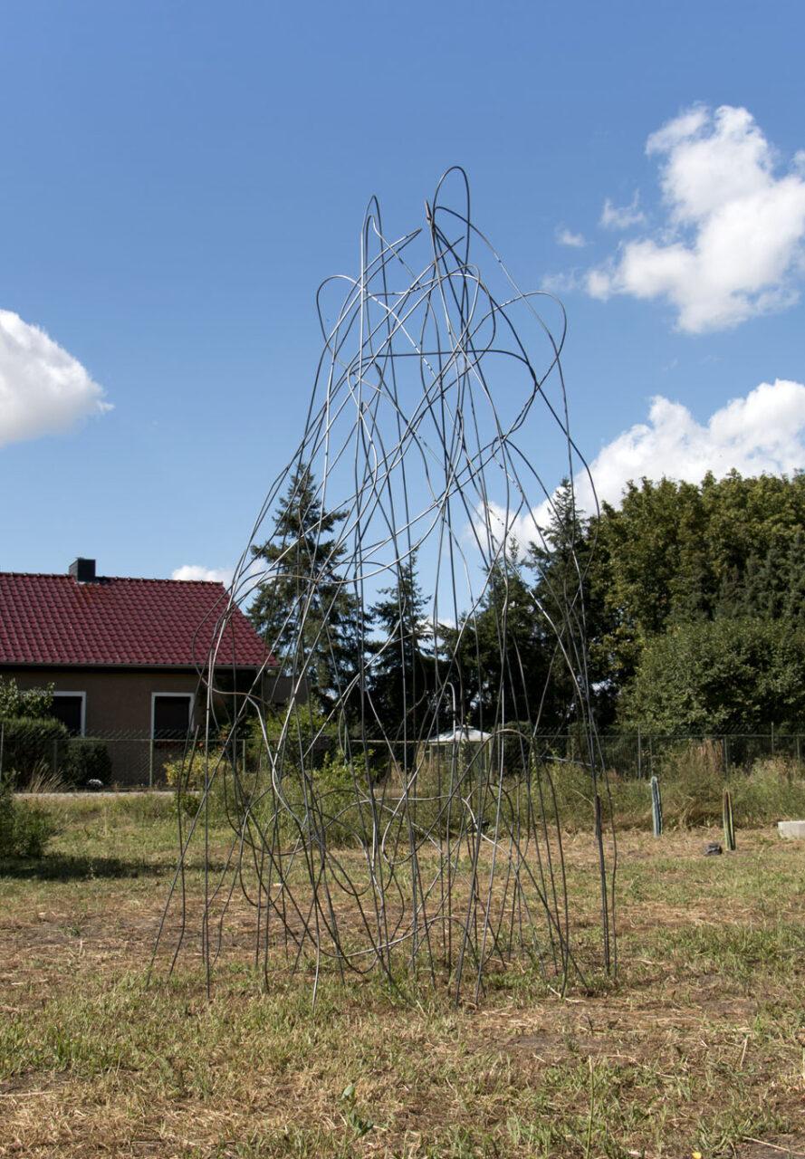 """""""Wigwam"""", 2020, steel @ Out There, Skulpturengarten Metzdorf, Brandenburg"""